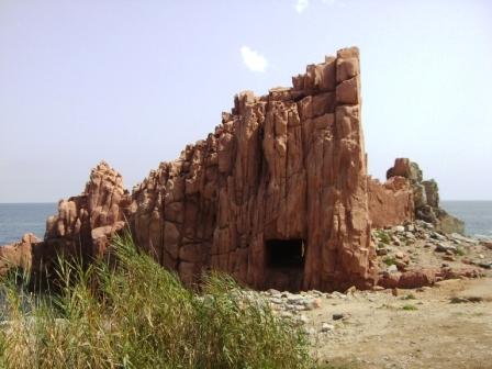 Rode rots in Sardinie