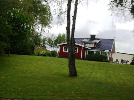 Rood Zweeds huis onderweg