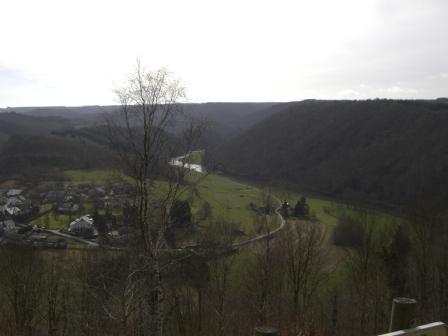 Uitzicht over de rivier la Semois in de Ardennen