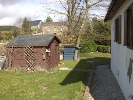 Zijkant vakantiewoning in Baillamont, Ardennen